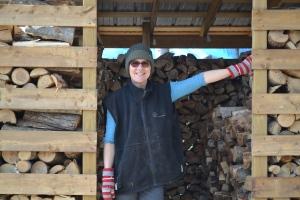 Notre bel abri de bois cordé.