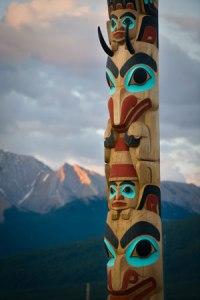 Un totem de la Côte ouest canadienne.