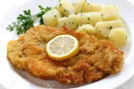 Une ville minière étant par définition cosmopolite, la tante nous a servi des schnitzel. Je me suis régalée.