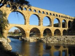 Pont du Gard, réaménagé en 2000.